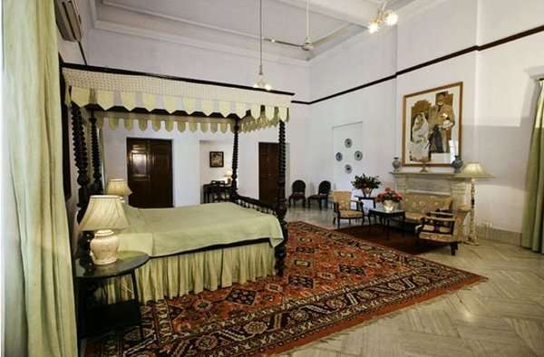 inside pics of pataudi palace