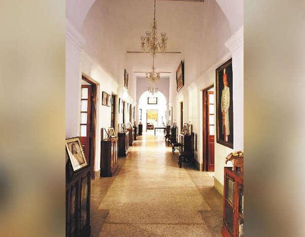 inside pics of pataudi palace