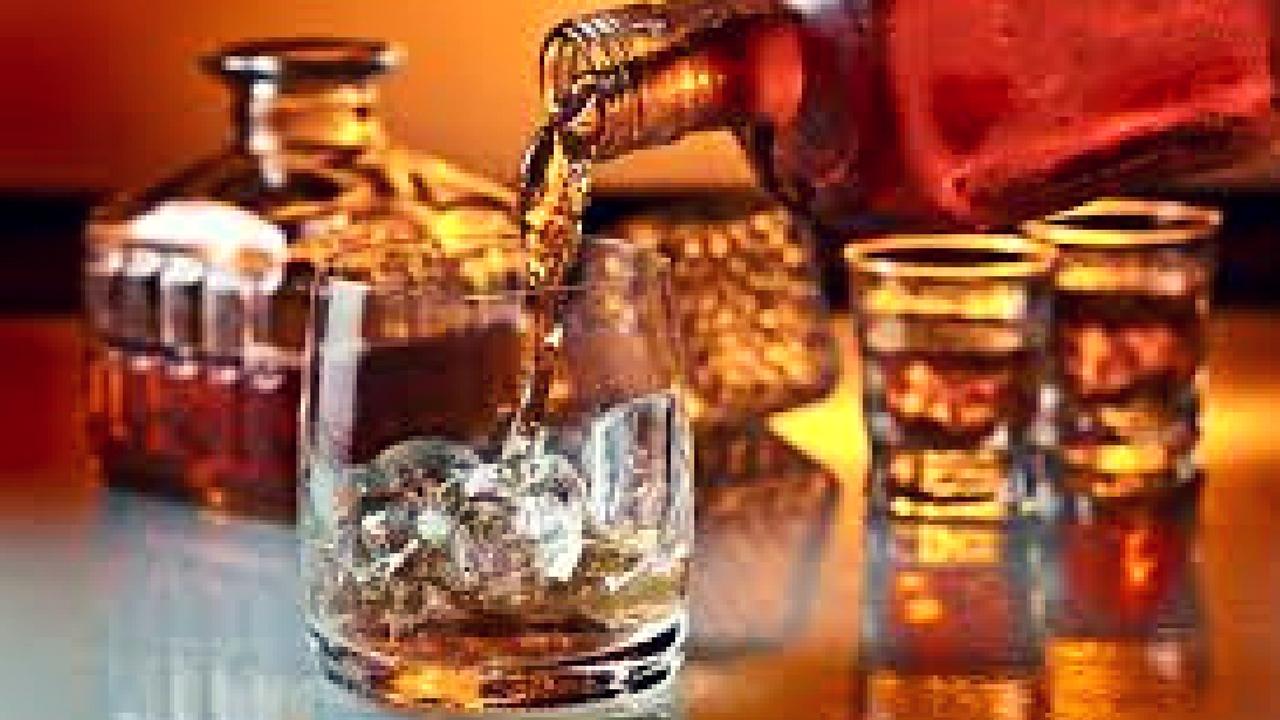 women as liquor suppliers in bar (1)
