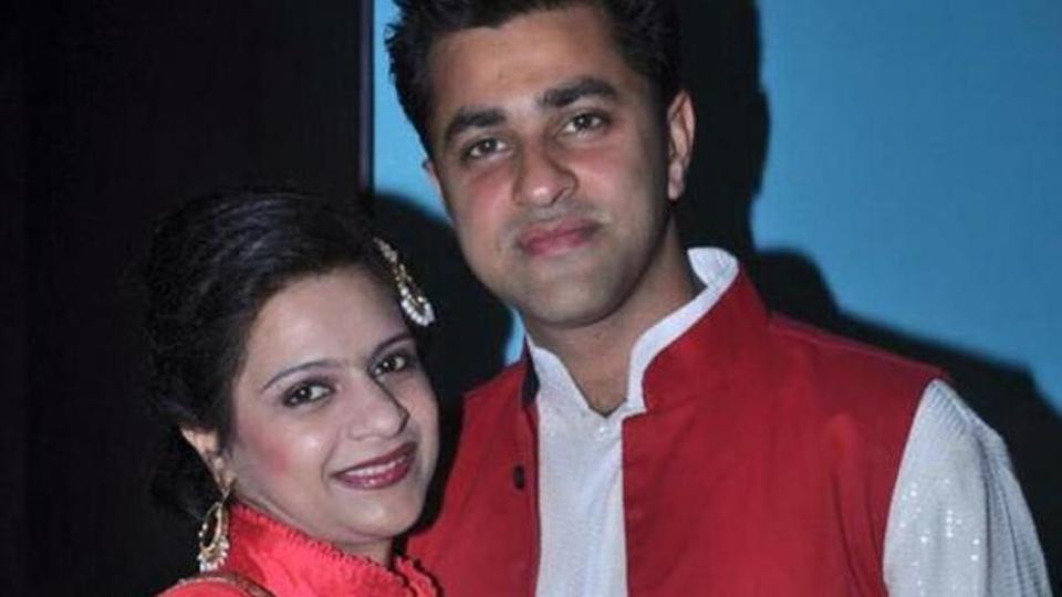 woman shot dead at delhi