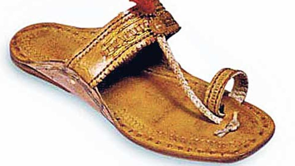 man-loses-chappal-registers-complaint-at-police-station