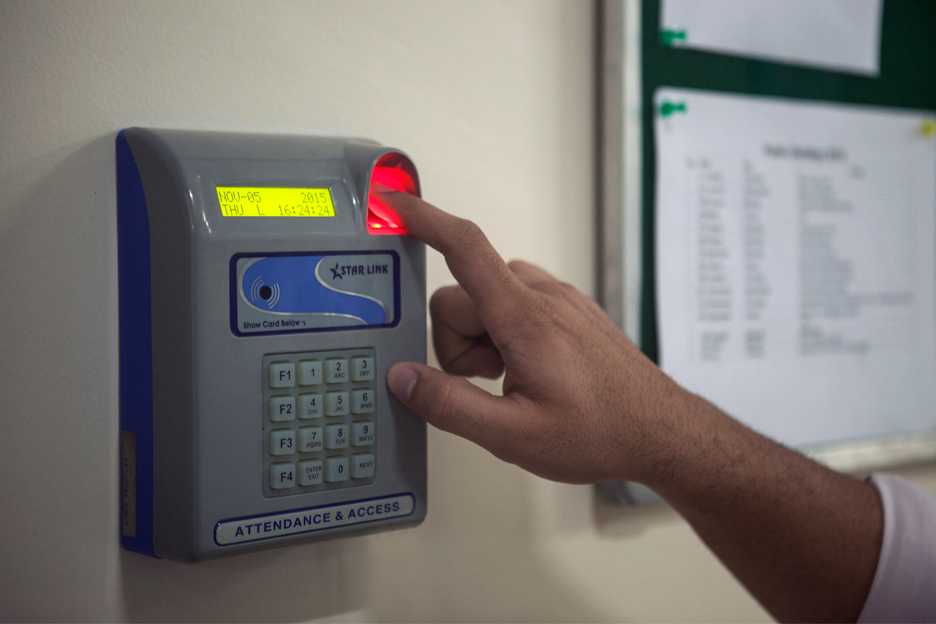 punching in medical college biometric attendance mandatory in secreteriate