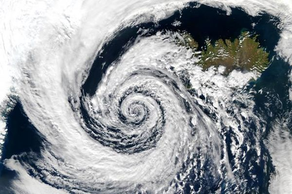 okhi cyclone strengthens ockhi to gujarat maharshtra coast ockhi strengthens in Gujarat