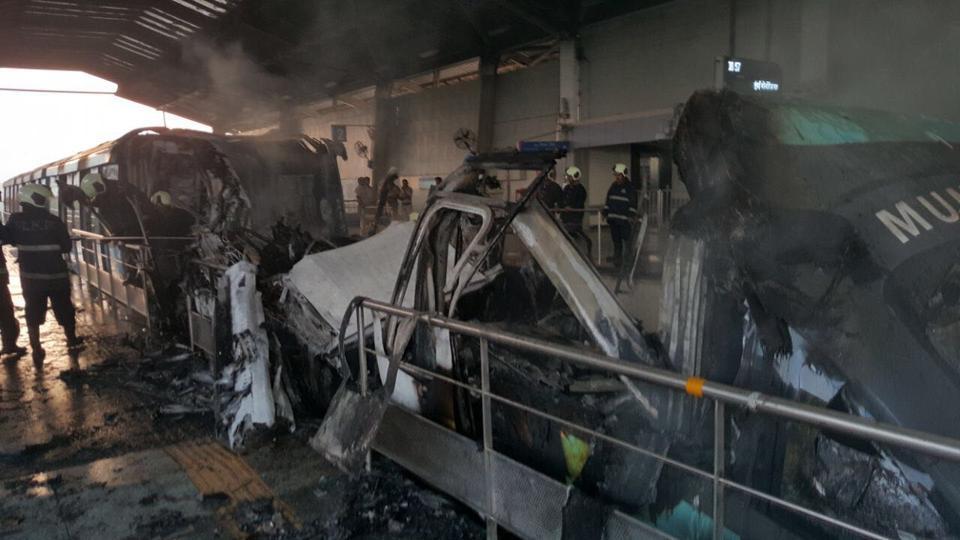 fire at mumbai monorail