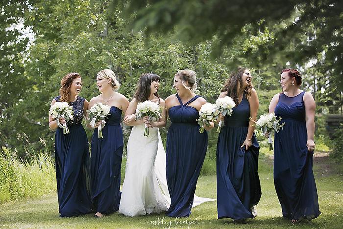 funny bridesmaid photo
