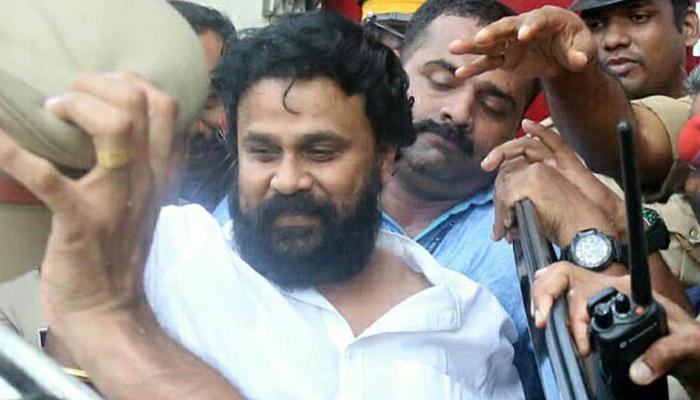 shouldnt give visuals to dileep says police