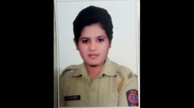 police woman found dead in railway track