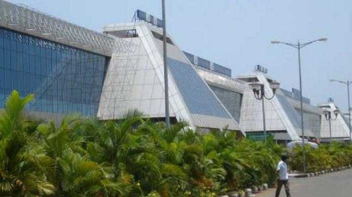 sudden strike in karipur airport