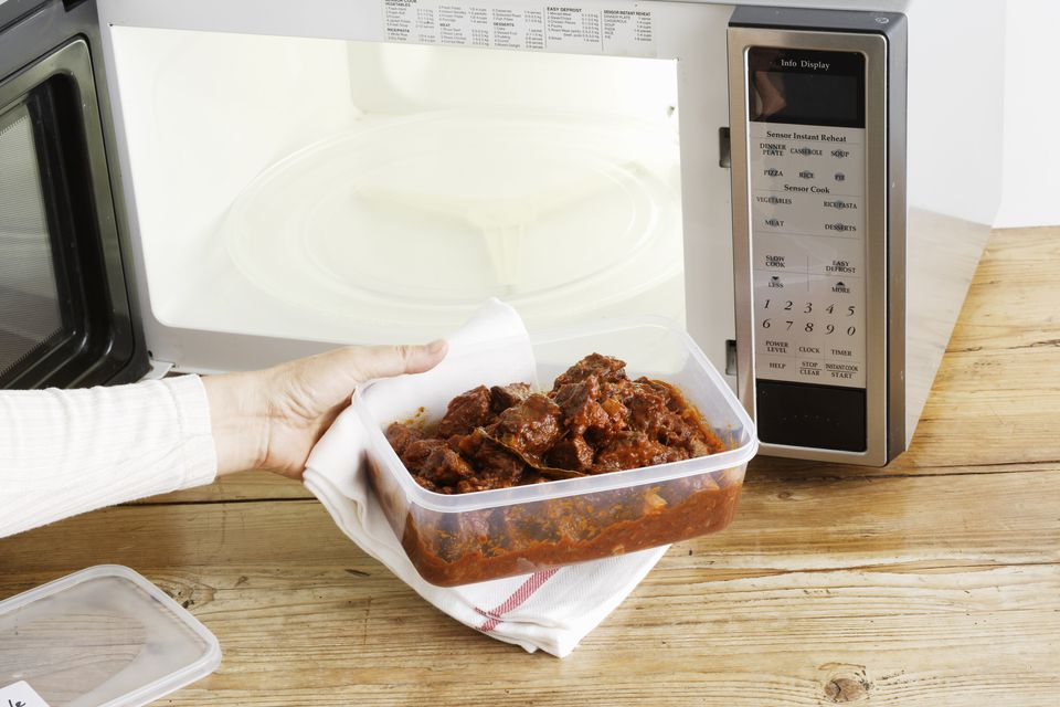 things not to keep in microwave
