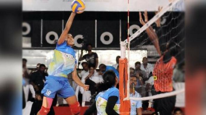women volley