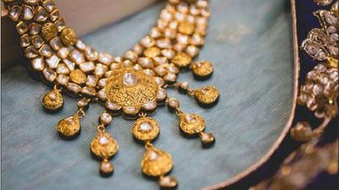 Jewellery chain Kanishk Gold defrauds 14 banks