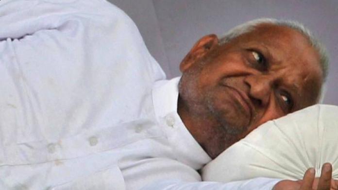 anna hazare stopped strike