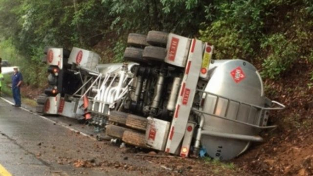 tanker lorry overturned near aripra