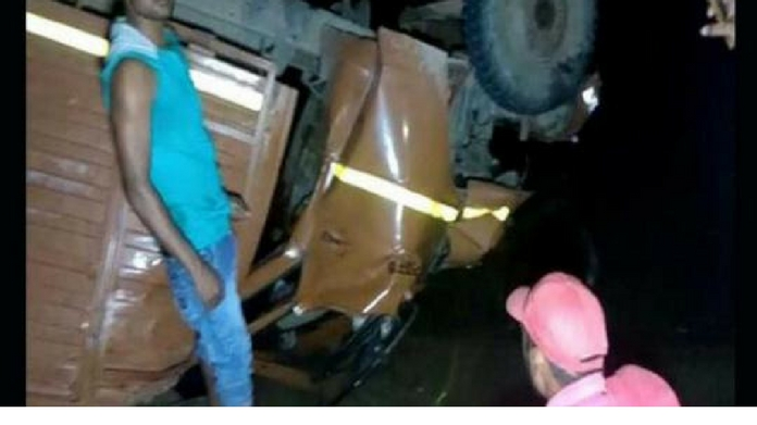 21 dead in truck accident at madhya pradesh