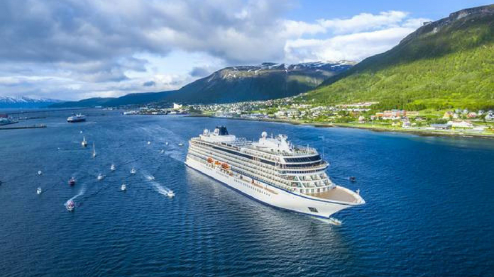 India's first cruise service starts