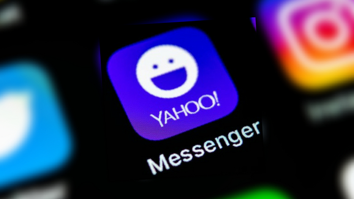 yahoo messenger stops service