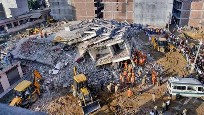 9 dead in delhi building collapsed