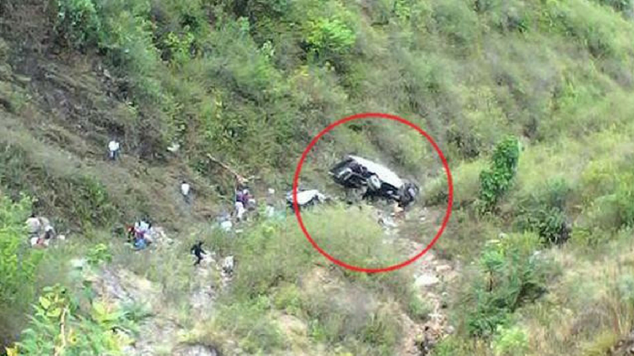 bus fell into abyss in uttarakhand killed 10