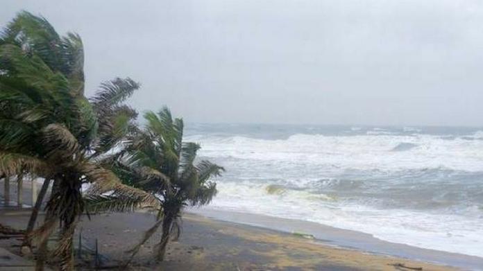 chances of strong wind in kerala lakshadweep coastal areas