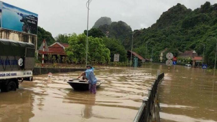 flood in vietnam killed 19