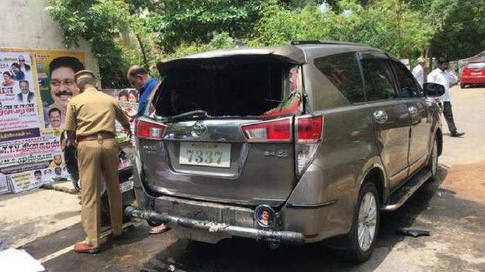 petrol bomb attack against ttv dinakaran
