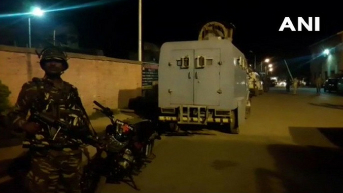 three crpf jawans injured in grenade attack