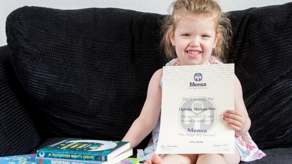 This 3 year old British girl has IQ higher than Albert Einstein