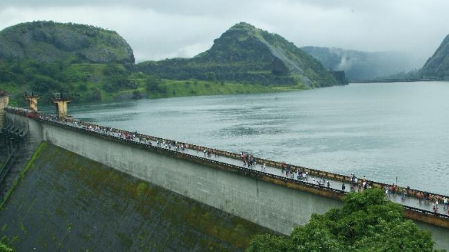 idukki water level lowers after rain decreases