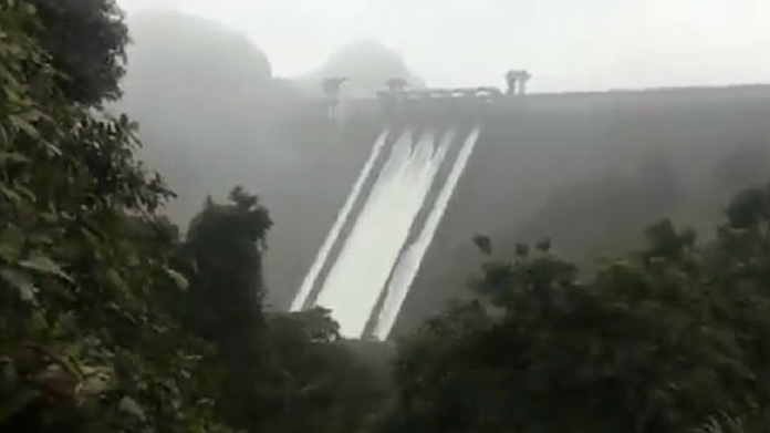 amount of water pumped out of cheruthoni dam to be raised to 1300 cumecs