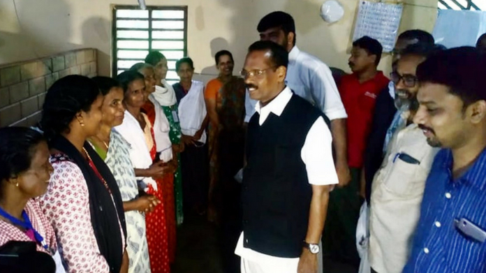 tp ramakrishnan visits disaster relief camp in puthupadi
