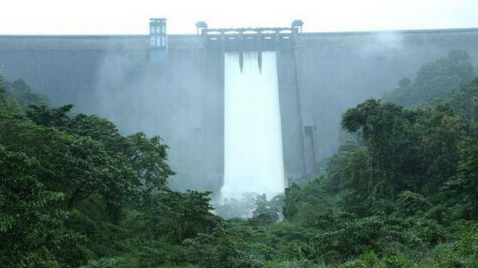 upto 700 cumecs water may be released from cheruthoni dam