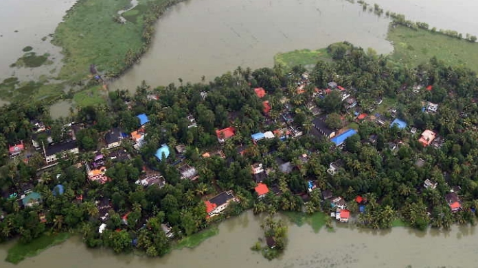 central team to visit kerala to evaluate loss in flood