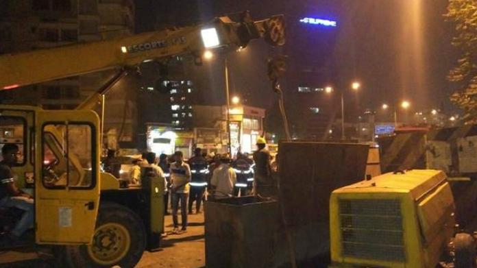crane crashed in tehran killed 6