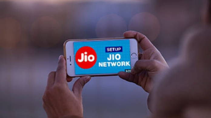 unlimited data and call for 100Rs