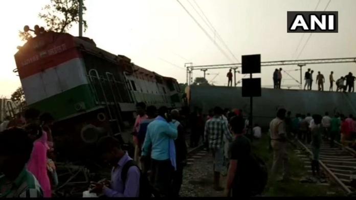 train derailed in uttar pradesh killed 5