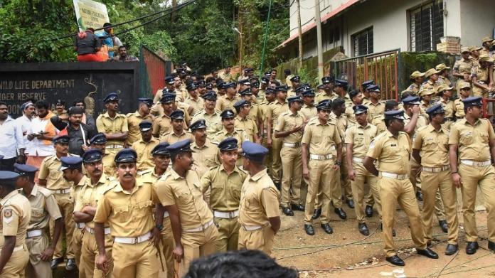 dress code mandatory for police in sabarimala