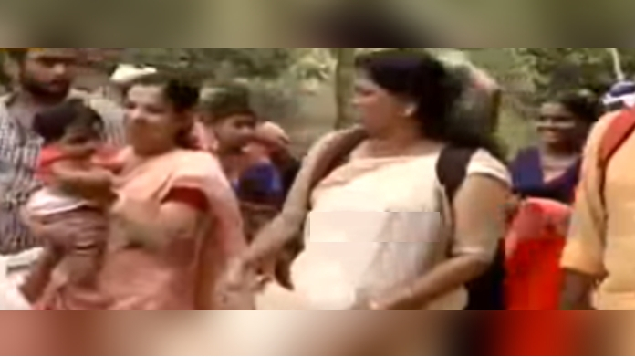 four women reached sabarimala with kid