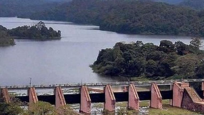 tn approaches sc demanding to raise water level in mullaperiyar