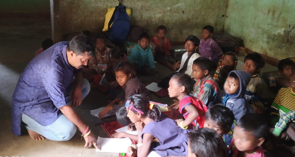 This Police Constable Run A School For Marginalised Children