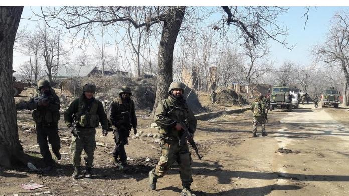 conflict in kashmir killed 6 terrorists