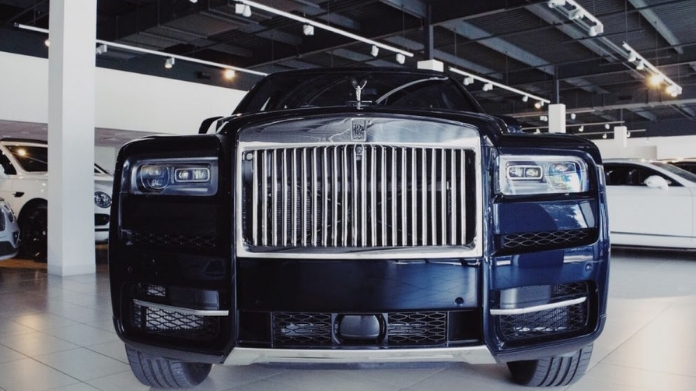 rolls royce cullinan specialities and features