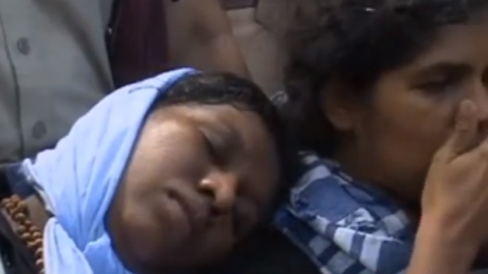kanaka durga and bindu illegally detained in casualty by police