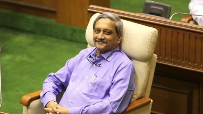 congress gave letter to president demanding to tighten security for manohar parikar