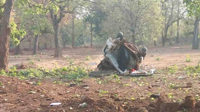 chattisgarh Maoist attack killed 6 including bjp mla