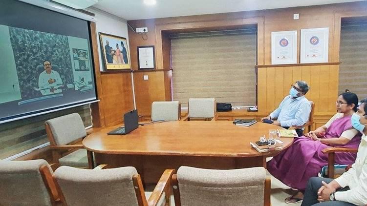 covid19 Kerala Model Maharashtra Health Minister held a discussion.