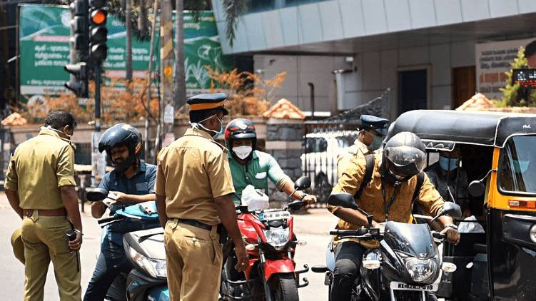 Lockdown violation kerala police