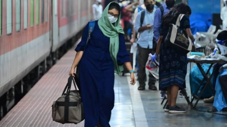 train from delhi reached thriuvananthapuram