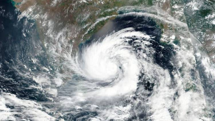 amphan cyclone approaches odisha