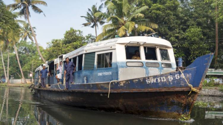 Alappuzha resume boat services