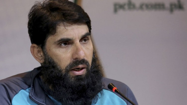 bowlers wear mask misbah